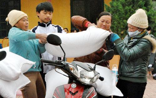 Cấp hơn 274 tấn gạo, học sinh,  dân tộc