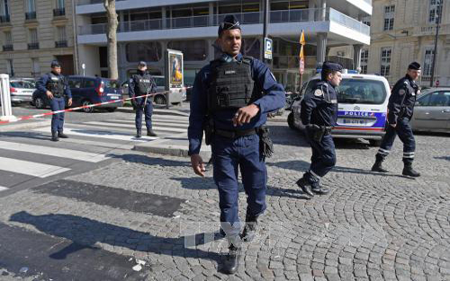 Bom thư, nổ, văn phòng, IMF, Pháp, địa chỉ, Hy Lạp