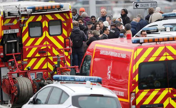 Pháp, điều tra, khủng bố, nổ súng, sân bay