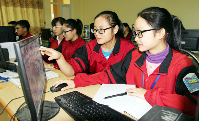 702 học sinh,  đoạt giải,  cuộc thi,  giải Toán, Vật lý qua Internet