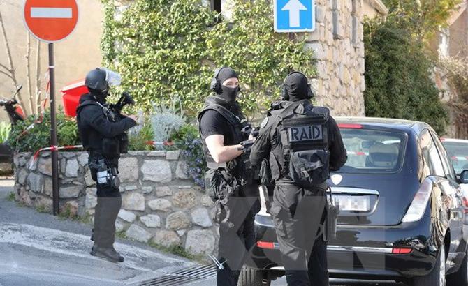 Paris, sơ tán, văn phòng, công tố, tài chính, cảnh báo, bom