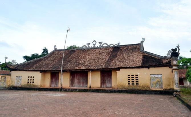 Unique architecture of Bang Cuc Temple