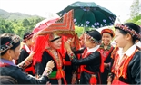 Sắc màu trang phục cưới của người Dao