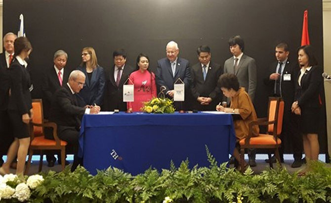 Vietnam, Israel businesses sign health care cooperation deal