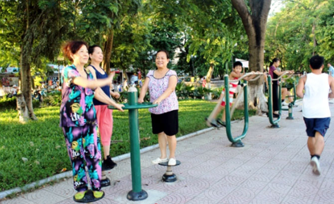 Lắp đặt 8 bộ dụng cụ thể dục thể thao công cộng