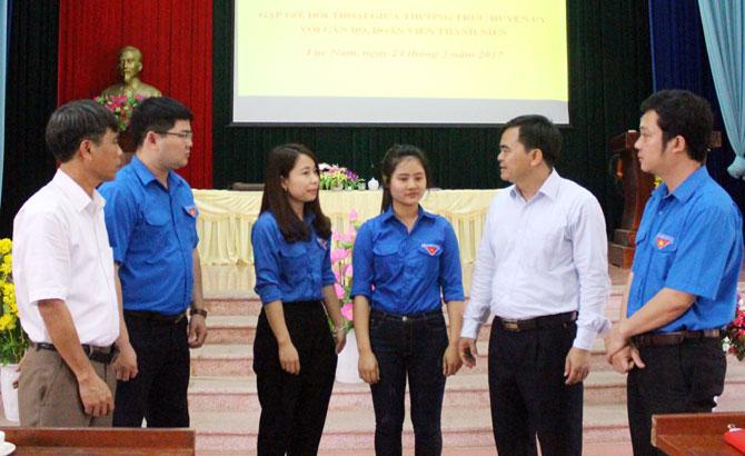 Thường trực Huyện ủy Lục Nam đối thoại với đoàn viên thanh niên: Giải đáp nhiều vấn đề tuổi trẻ quan tâm