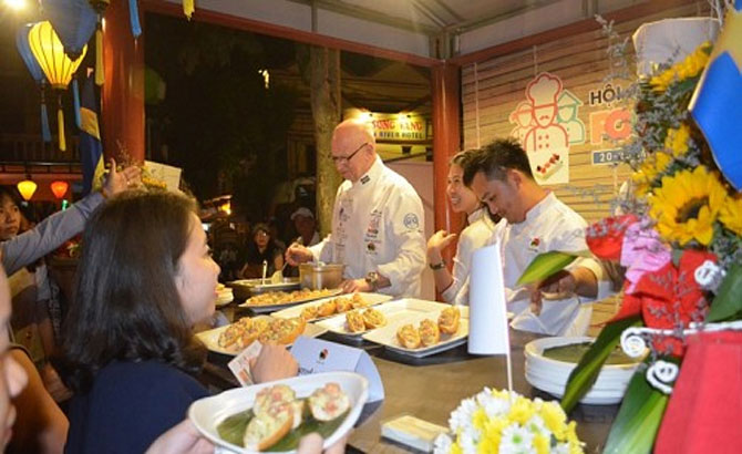 Global cuisine brought together at int'l food festival in Hoi An