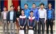 Bắc Giang: Hai học sinh nhận thưởng cuộc thi Chinh phục vũ môn