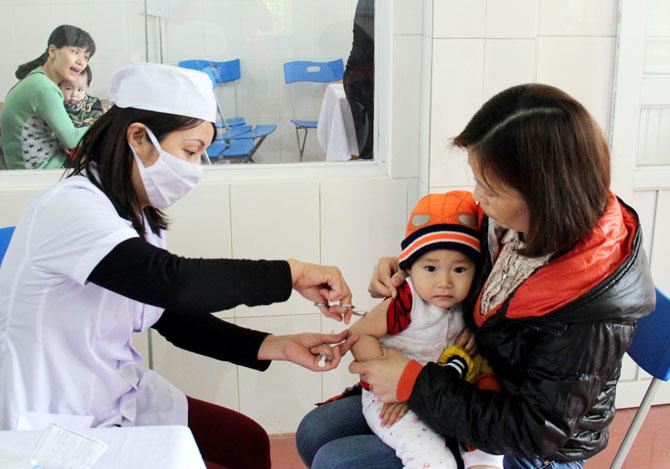 Nâng, kỹ thuật, giảm tai biến, tiêm chủng, sức khỏe, trẻ em