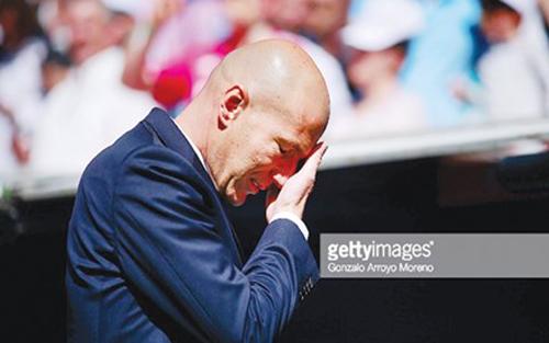 Real, khủng hoảng, nhân sự, bóng đá