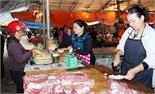 Mất an toàn vệ sinh thực phẩm ở chợ nông thôn