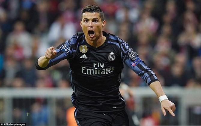 Ronaldo, lập cú đúp, Real, ngược dòng, hạ Bayern, Allianz Arena