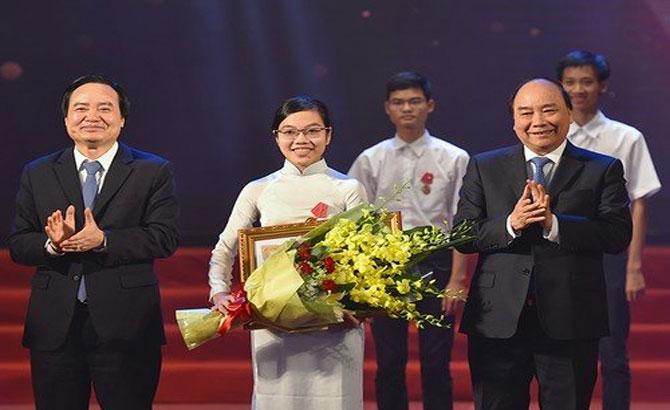 Cô gái vàng, Vật lý, Việt Nam, học bổng, thế giới