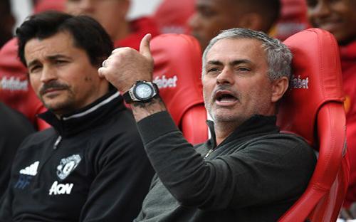 Hạ gục, Chelsea, HLV Mourinho,  học trò, hết lời