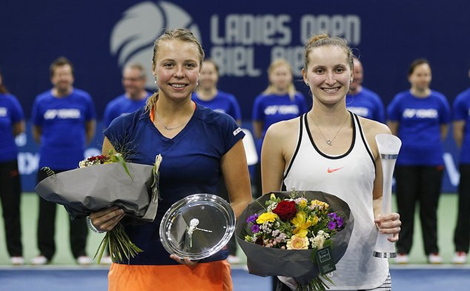 Sao trẻ, 17 tuổi, Vondrousova, vô địch, giải WTA Tour, đầu tiên