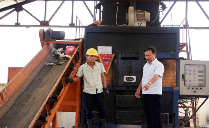 Phó Chủ tịch Thường trực HĐND tỉnh Bùi Văn Hạnh khảo sát công tác vệ sinh môi trường và giáo dục mầm non tại huyện Hiệp Hòa