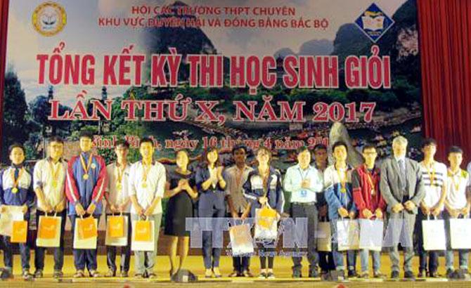 61 học sinh, Trường THPT Chuyên, Bắc Giang, đoạt giải,  khu vực