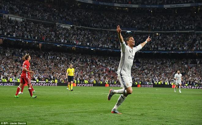 Ronaldo, lập hat-trick, Real, vào bán kết, trận cầu, tranh cãi