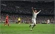 Ronaldo lập hat-trick, Real vào bán kết sau trận cầu tranh cãi