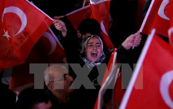 Ủy ban Bầu cử, Thổ Nhĩ Kỳ,  yêu cầu, hủy bỏ, kết quả, trưng cầu dân ý