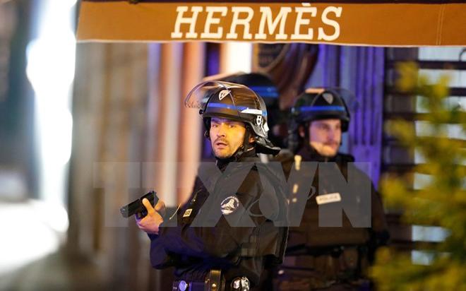 Pháp, đọ súng, kinh hoàng, Đại lộ Champs-Elysees, người chết