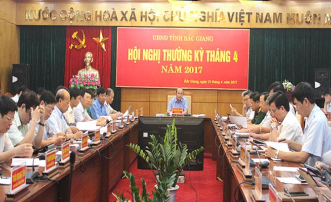 Chủ tịch UBND tỉnh Nguyễn Văn Linh: Tập trung các giải pháp phát triển kinh tế, giữ đà tăng trưởng