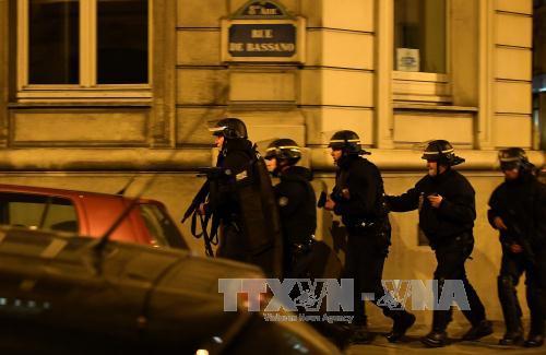 Nghi can, nổ súng,  Paris, trình diện, cảnh sát, Bỉ