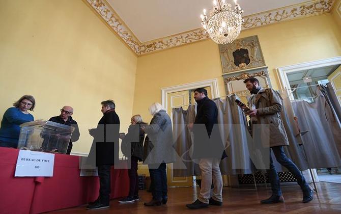 Bầu cử tổng thống Pháp: Ứng cử viên cực hữu Marine Le Pen dẫn đầu
