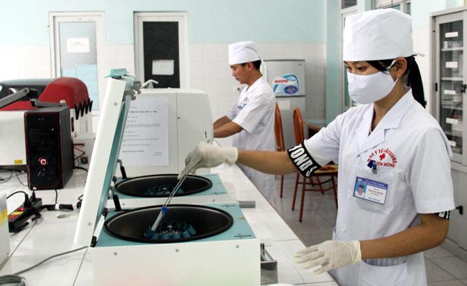 Y tế tuyến huyện phát triển kỹ thuật chuyên sâu: Thu hẹp khoảng cách,  nâng chất lượng điều trị