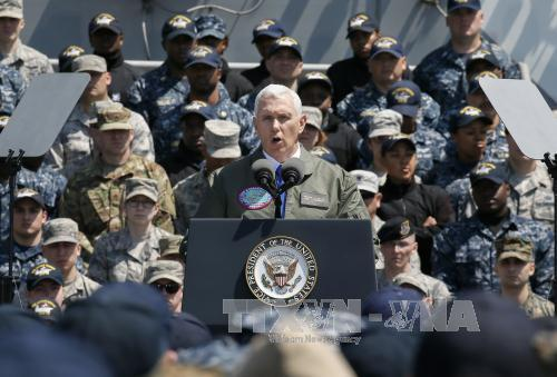 Phó Tổng thống Mỹ cắt ngắn chuyến công du