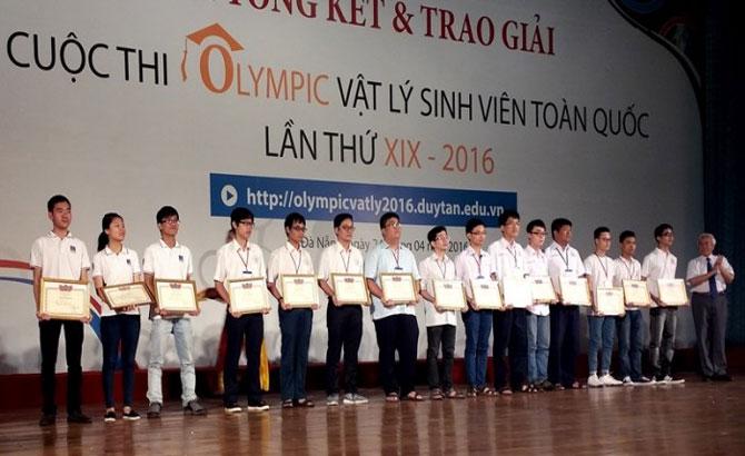 Trao giải cuộc thi Ô-lim-pích Vật lý sinh viên toàn quốc