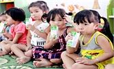 Kiểm soát chất lượng sữa ở các trường mầm non