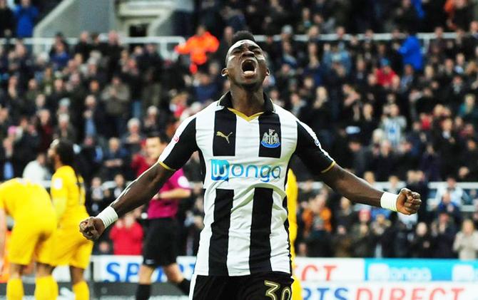Newcastle United chính thức trở lại Premier League
