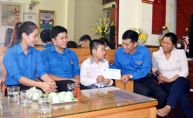 Disadvantaged children supported to go to school