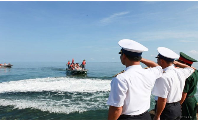 200 youngsters dispatched to visit Truong Sa archipelago