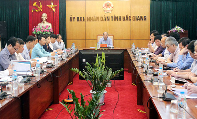Bac Giang leader urges environmental protection, land clearance for key projects