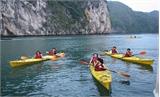 Từ 1-5 được chèo thuyền kayak trên Vịnh Hạ Long