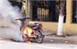 Vi phạm giao thông, đối tượng tự đốt xe máy