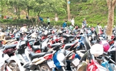 Giá trông giữ xe sau ngày 1-5 ở Bắc Giang: Vẫn mạnh ai nấy làm