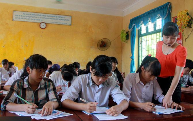 Cơ sở vật chất, phục vụ, dạy và học, tiếng Anh, chưa đáp ứng nhu cầu