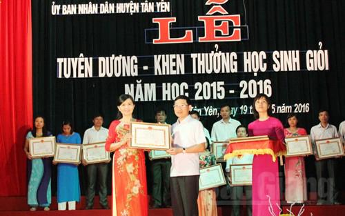 Khen thưởng, 87 giáo viên, học sinh, thành tích, xuất sắc