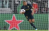 Xé lưới Buffon, Mbappe đi vào lịch sử Champions League