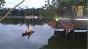 Chiều hồ Làng Thương