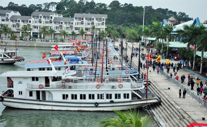 Tăng phí, du lịch, cảng Tuần Châu