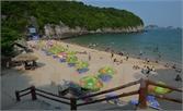 26 người nhập viện cấp cứu sau khi ăn tiệc trên bãi biển Cát Bà