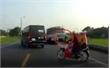 Bắc Giang: Khởi tố, tạm giam 4 tháng tài xế xe tải lấn làn đâm chết hai người
