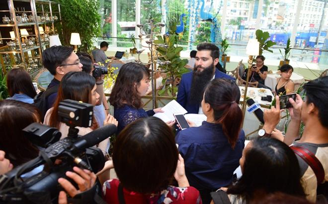 Đạo diễn, phim Kong, thành lập, Học bổng giáo dục nghệ thuật,  Việt Nam