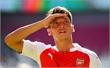 Mesut Oezil lập nên kỷ lục kiến tạo mới tại Premier League