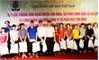 Công đoàn Dệt may Việt Nam tặng quà gia đình chính sách huyện Sơn Động
