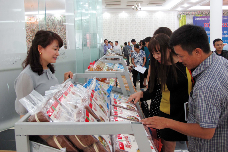 Kết nối, hỗ trợ, tiêu thụ, lợn thịt, nông sản, thực phẩm, Bắc Giang, UBND tỉnh, Mặt trận Tổ quốc tỉnh, Sở Công thương, Sở Nông nghiệp, đơn vị quân đội